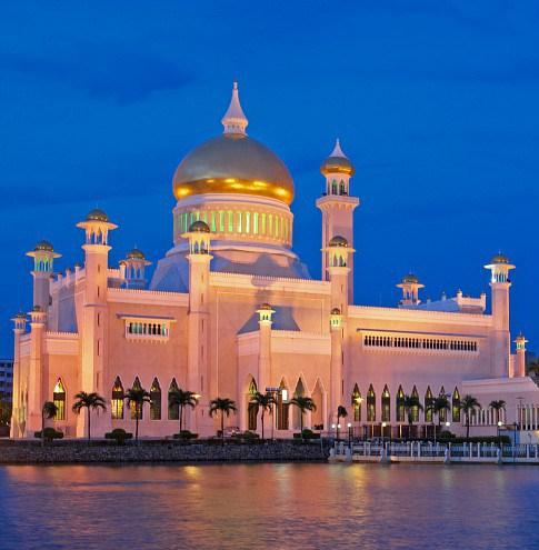 sultan-omar-ali-saifuddien-mosque-640-17150.jpg